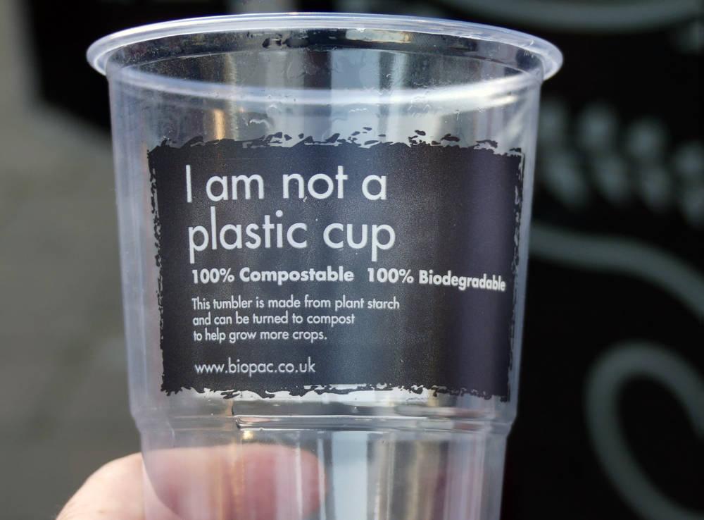 La colaboración de empresas y organizaciones, fundamental para la apuesta por el plástico biodegradable