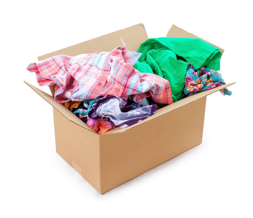 La donación de ropa infantil, cada vez más habitual en España