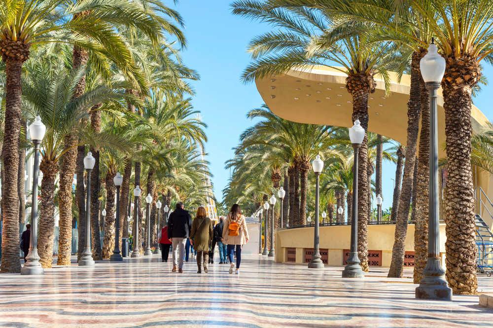 Las empresas de turismo y ocio de la provincia de Alicante lideran la recuperación económica de la zona